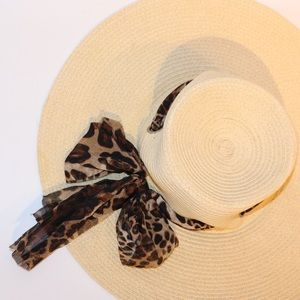 Floppy Sun Hat with Animal Print Bow